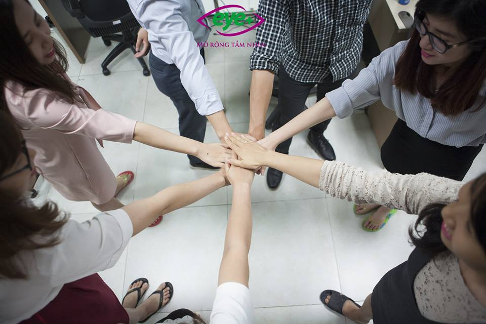 Tinh thần đoàn kết của team KT-HCNS